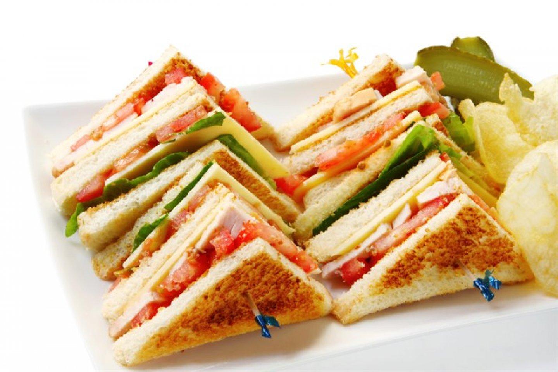 Мини-сэндвич с ветчиной и сливочным сыром