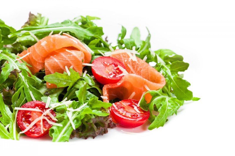Салат из лосося домашнего посола