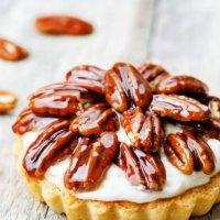 Тарталетка с орехом Пекан