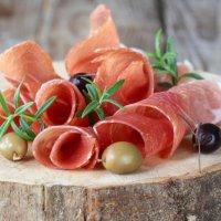Салями с королевской маслиной